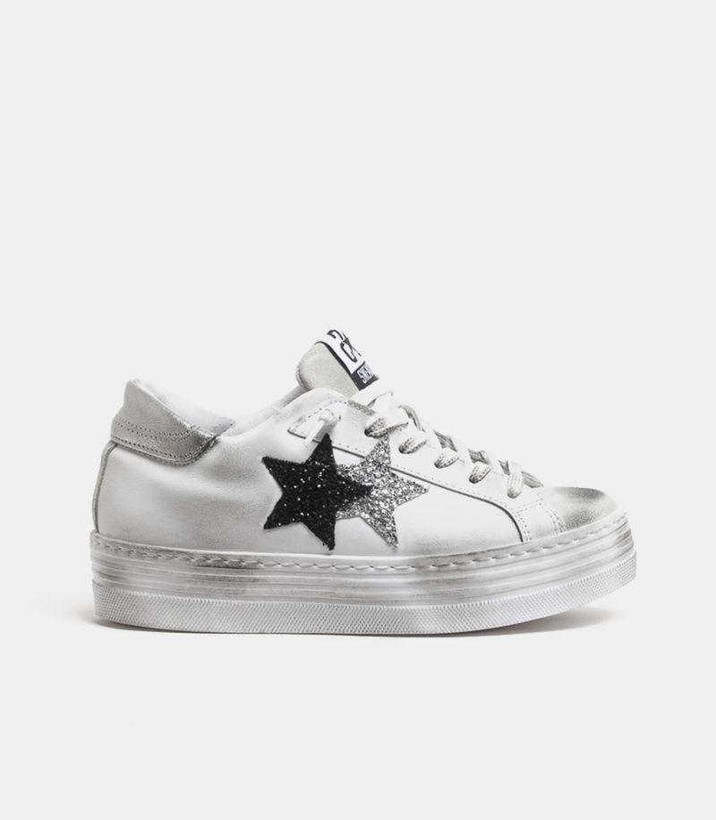 Women's double star sneaker shoe white. 2SD2857-004-A