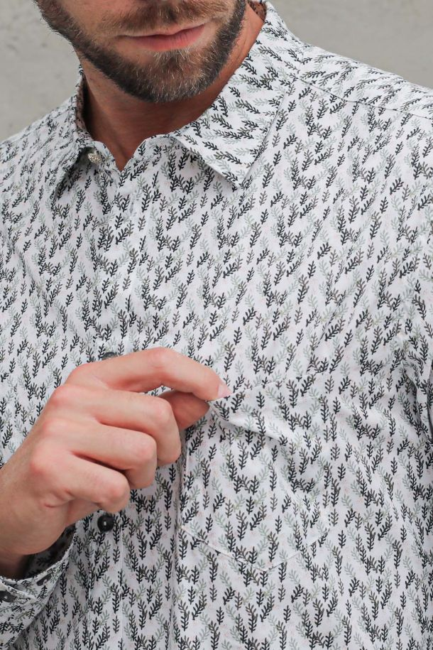 Men's shirt with ear stamp white. M 215137-2BIANCO