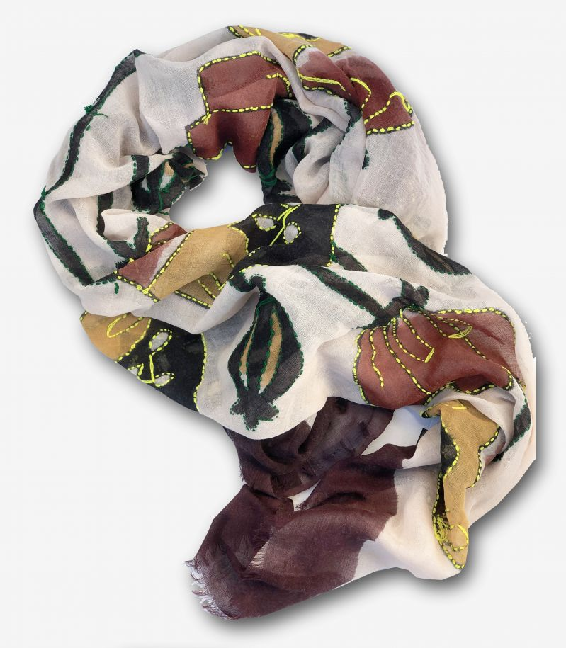 Unisex's scarf with flower and patchworks beige. 7201GIGLIO
