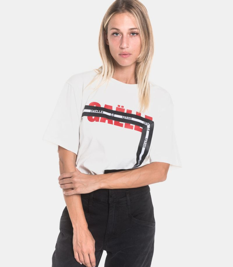 Women's logo ribbon t-shirt white. GBD7088