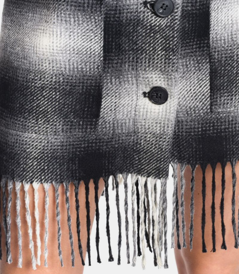 Women's knitted skirt with fringes. N 3541-1
