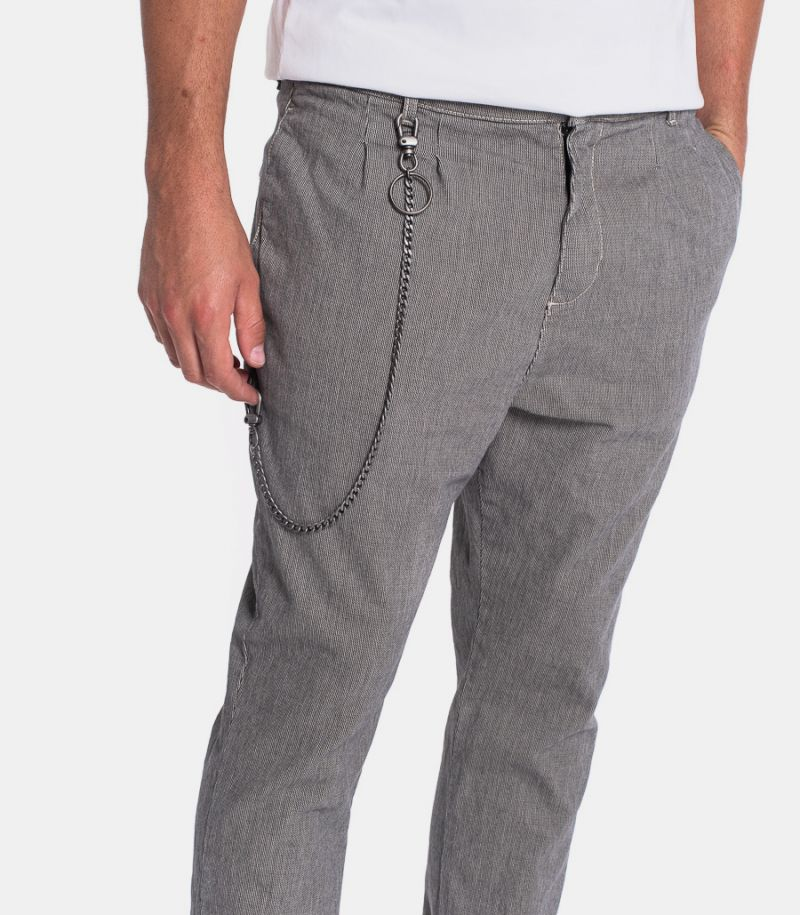 Men's trousers with chain grey. P372MRIC02