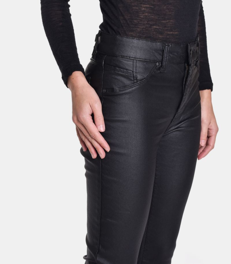 Women's skinny coated trousers black. P372WSX111
