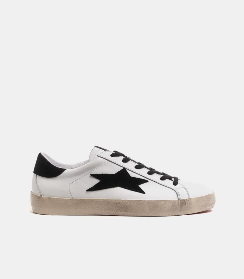 Men's sneaker shoe low no used white black. LOW NO USED 1614