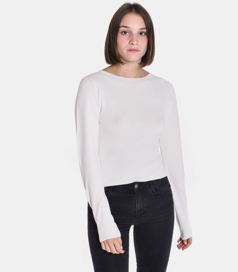 Women's roundneck sweater cream. 3M8013