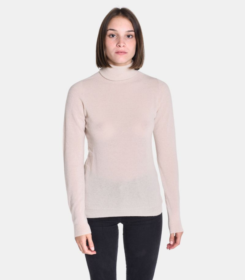 Women's wool turtleneck sweater cream. 3M8085
