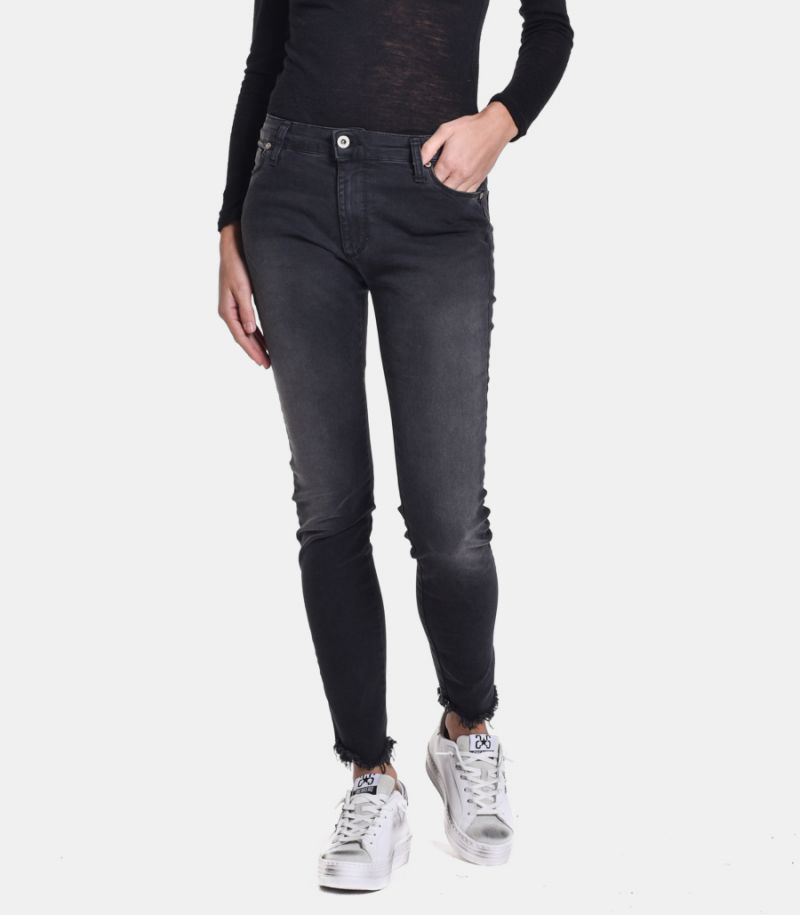 Women's selvedge jeans black. P930GD5P30