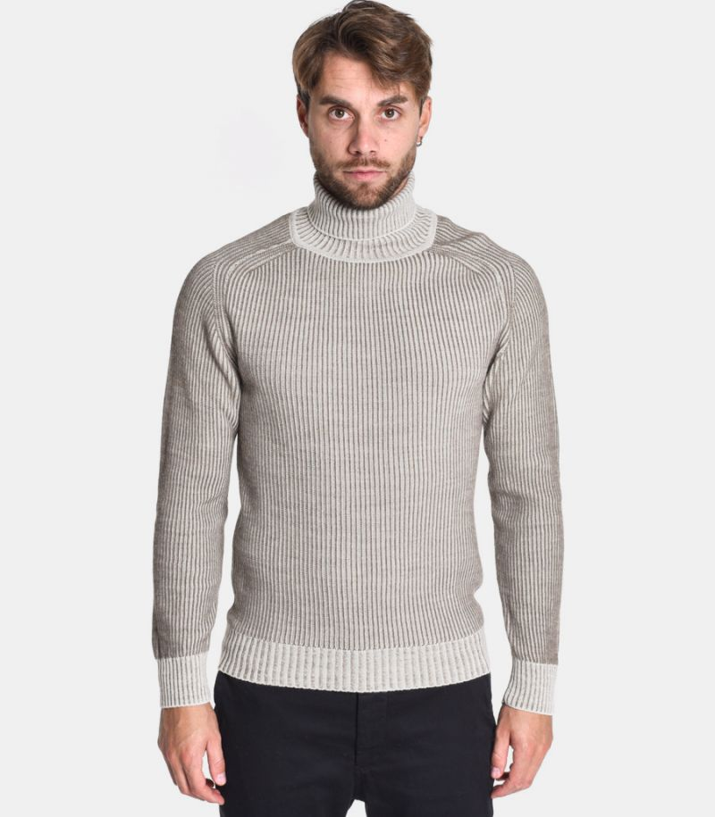 Men's reversible turtleneck sweater cream. 0359