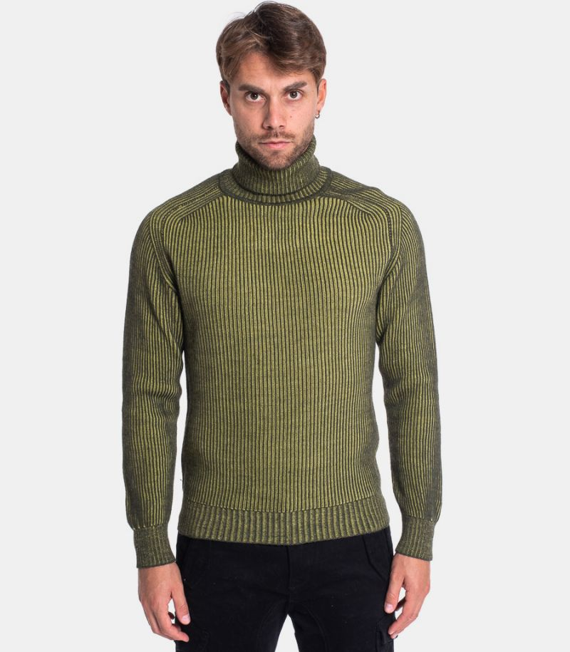 Men's reversible turtleneck sweater green. 0359