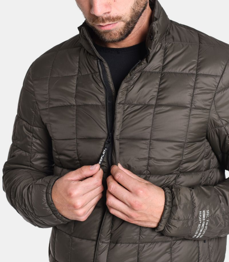 Men's quilted jacket recycled military green. M8006B.00083798.098