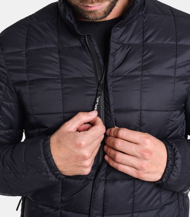 Men's quilted jacket recycled black. M8006B.00083798.098