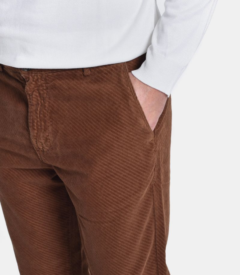 Men's micropattern chinos tobacco. 145C AGC175C