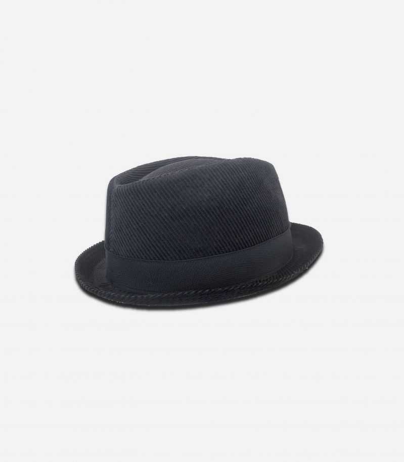 Men's velvet hat with band black. 0901