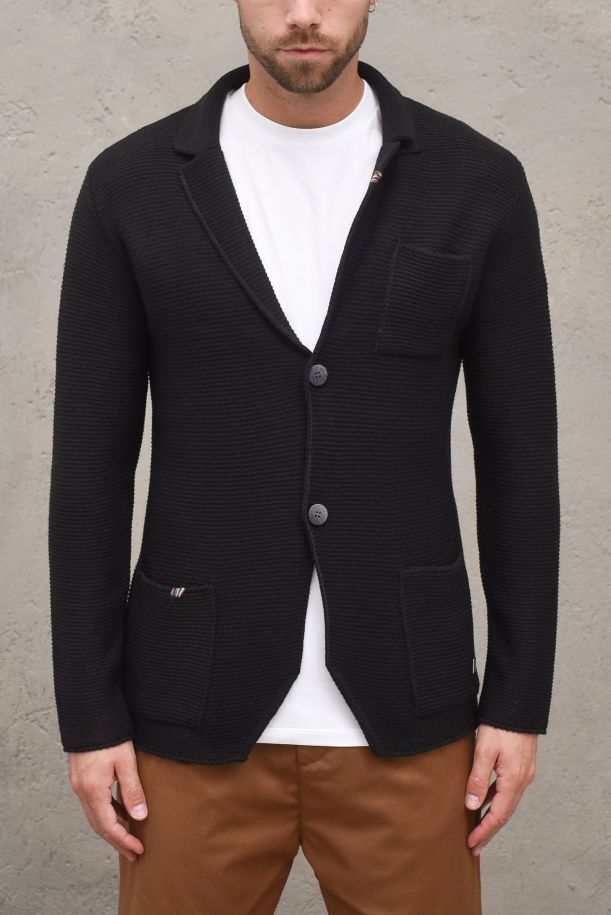 Men's knitted jacket embroidered. 03A20LNERO