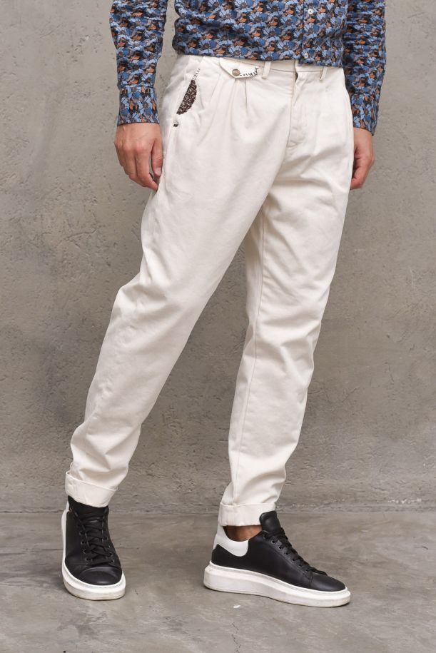 Men's pants with patchs embroidered cream. BIG551PANNA