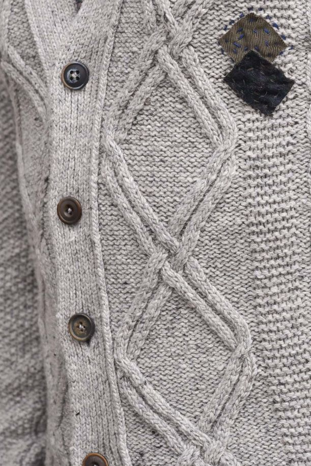 Men's knitted cardigan embroidered with patchworks. MANFRED GRIGIO