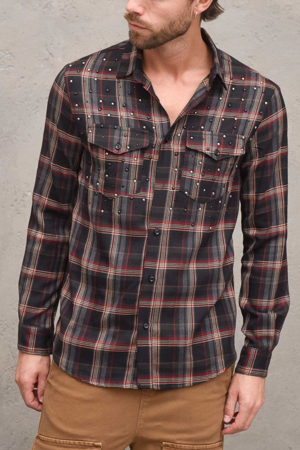 Men's square pattern shirt with studs. RO2022BNERO
