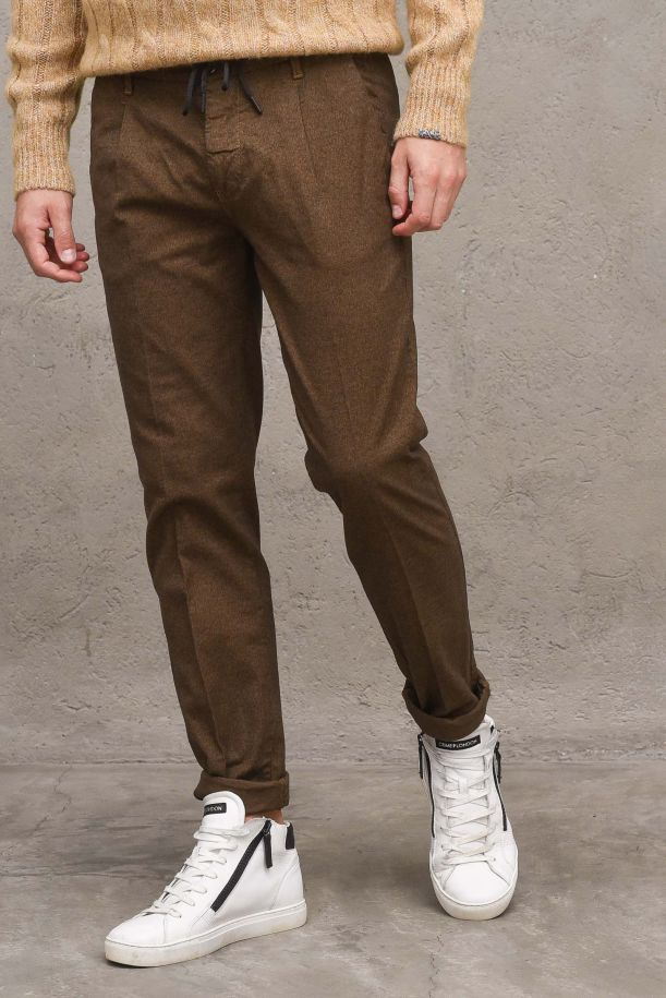 Men's lace trousers with pinces. ML2243CAMMELLO
