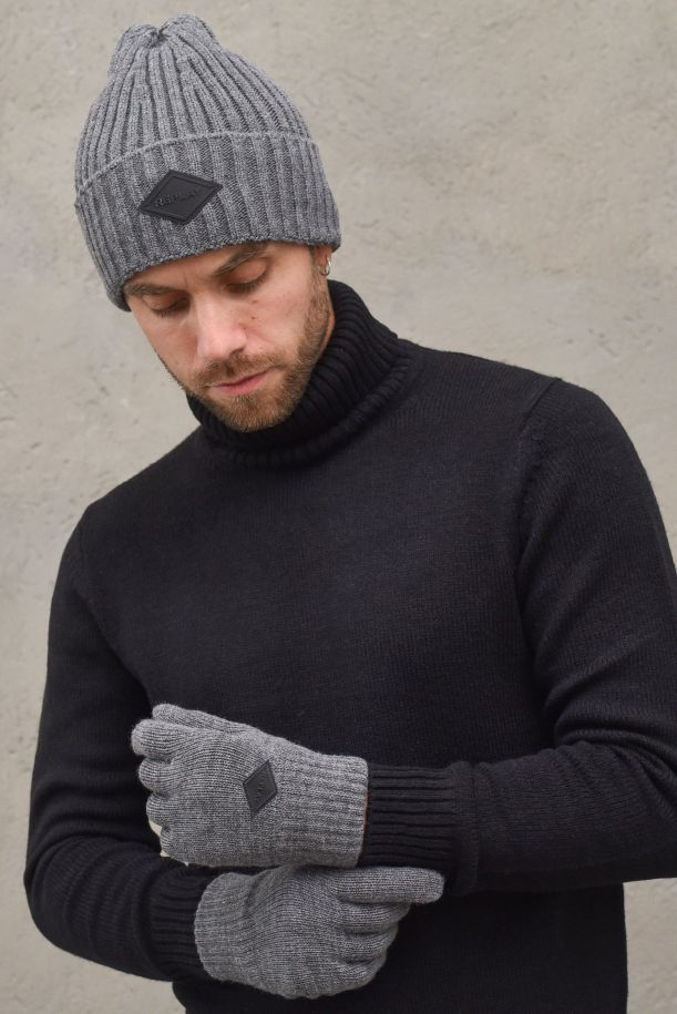 Men's glove and ripped cap with logo. AM8022.001.A7003GRIGIO