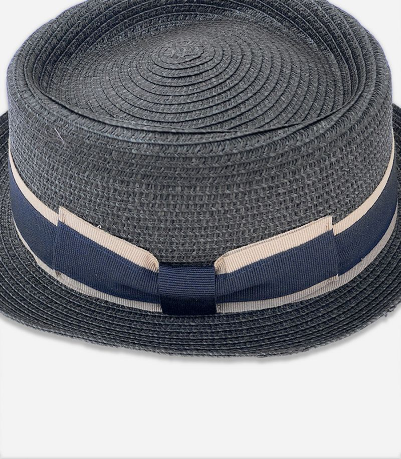 Men's hat with band brown