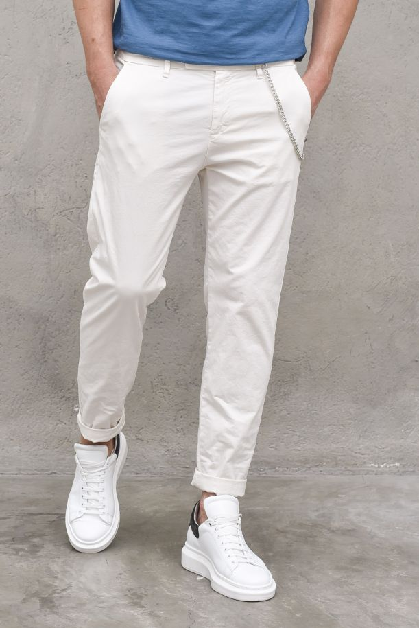 Men's chino trousers with chain milk. LAMPO2866MLATTE