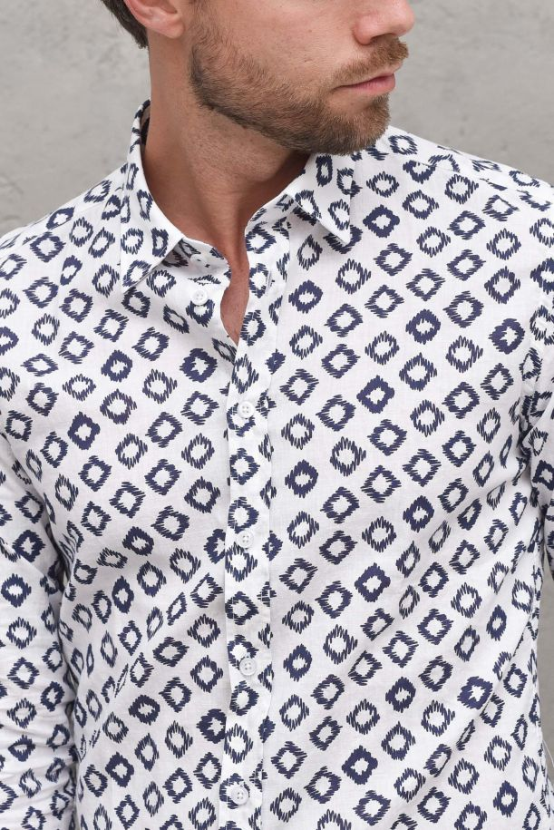 Men's shirt with stamp fancy white. B1842BIANCO/BLU