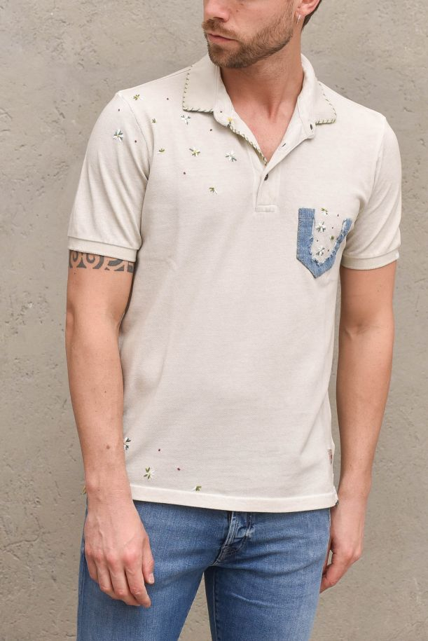 Men's polo with applications and pocket beige. RICKYR0186GESSO FREDO