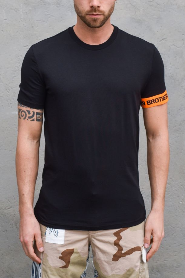 Men's t-shirt side band logo black. D9M3S3550BLACK