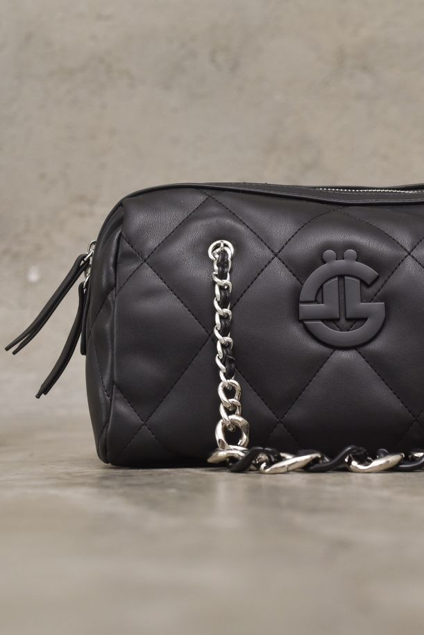 Women's quilted trunk bag with logo black. GBDA2485NERO