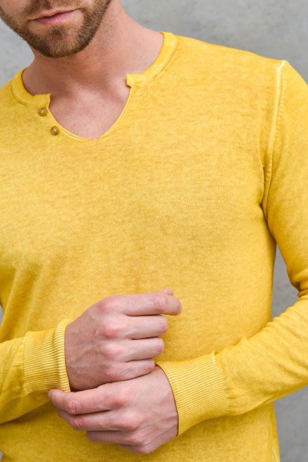 Men's cold washed sweater mustard. OF1S2S1M024/117SENAPE