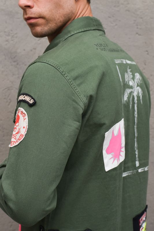 Men's military jacket with patches green. M8825EVERDE