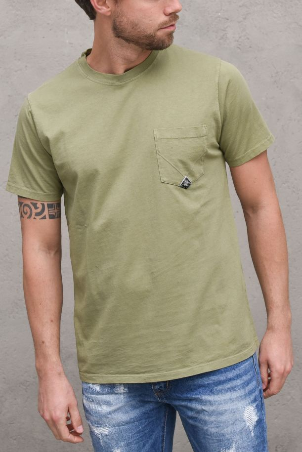 Men's jersey t-shirt with pocket and logo green. POCKET HEAVYP21RRU500C9320306ARMY GREEN