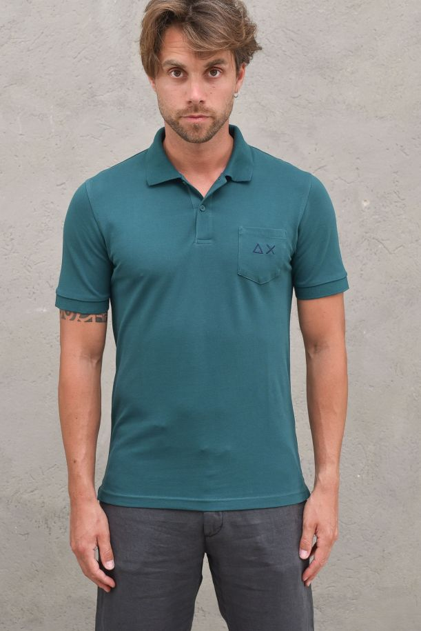 Men's polo packet and logo with patchworks green. A31109VERDE INGLESE