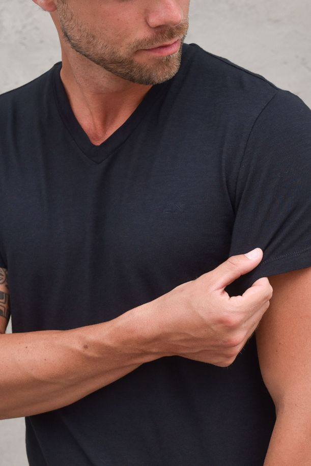 Men's v neck t-shirt flamed cotton ink. T31111INCHIOSTRO