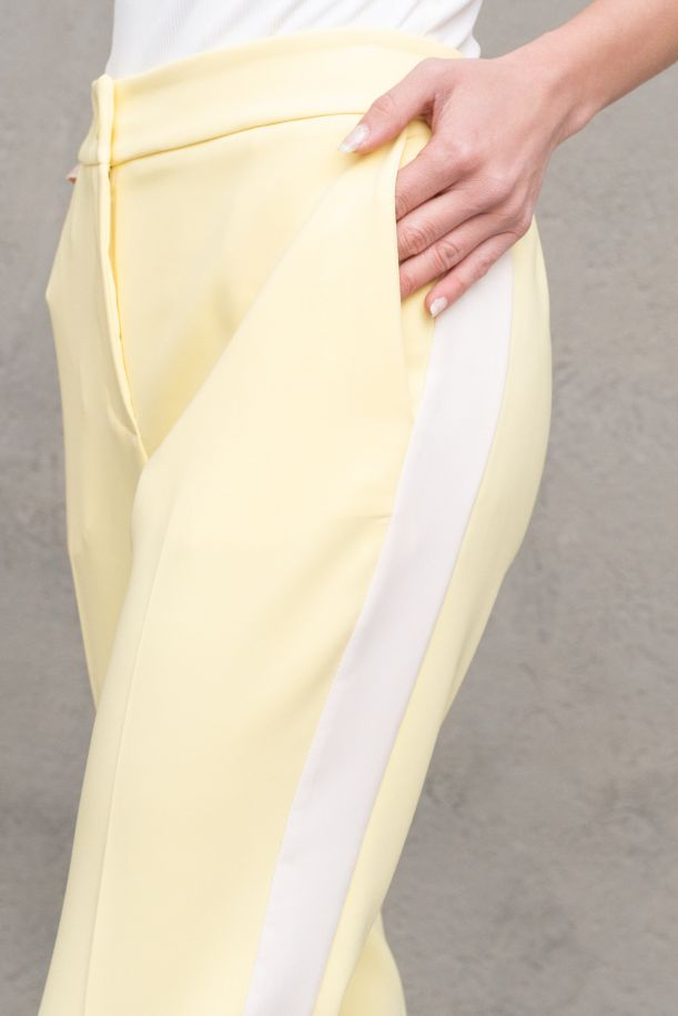 Men's highwaiste trousers lateral band. 22415AF1GIALLO