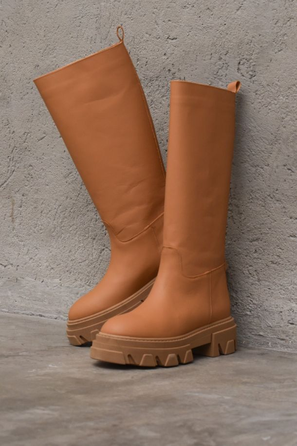 Women's high leather boot brown. NIB62CUOIO