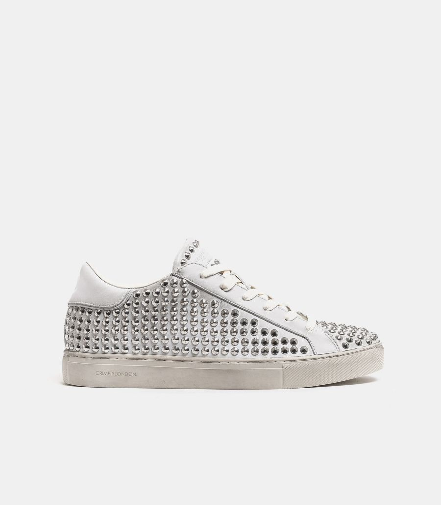 Men's sneaker shoe studded off white. LOW TOP ESSENTIAL