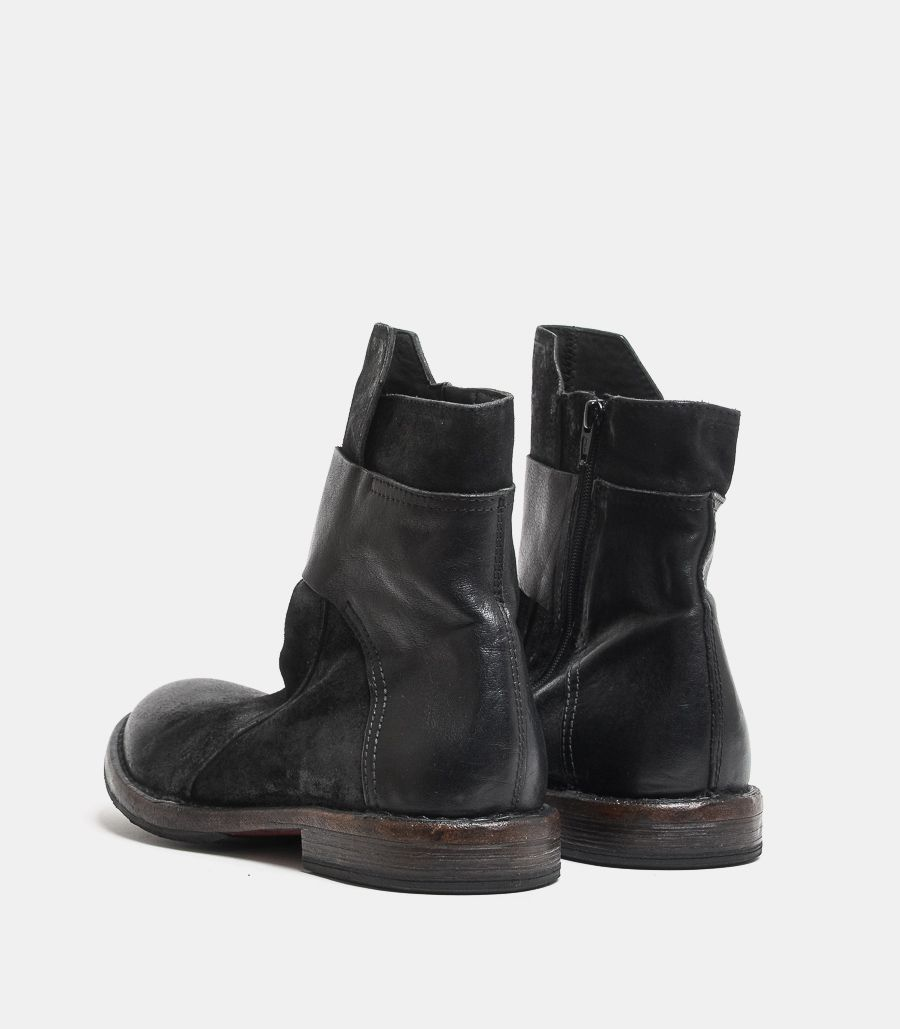 Men's ankle boot in leather black. 2CW145-BC