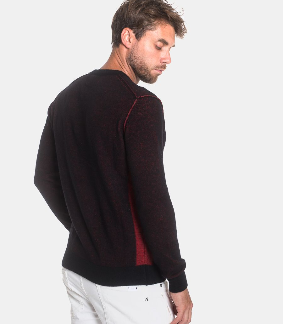 Men's roundneck sweater black red. UK8011.000.G23004.010