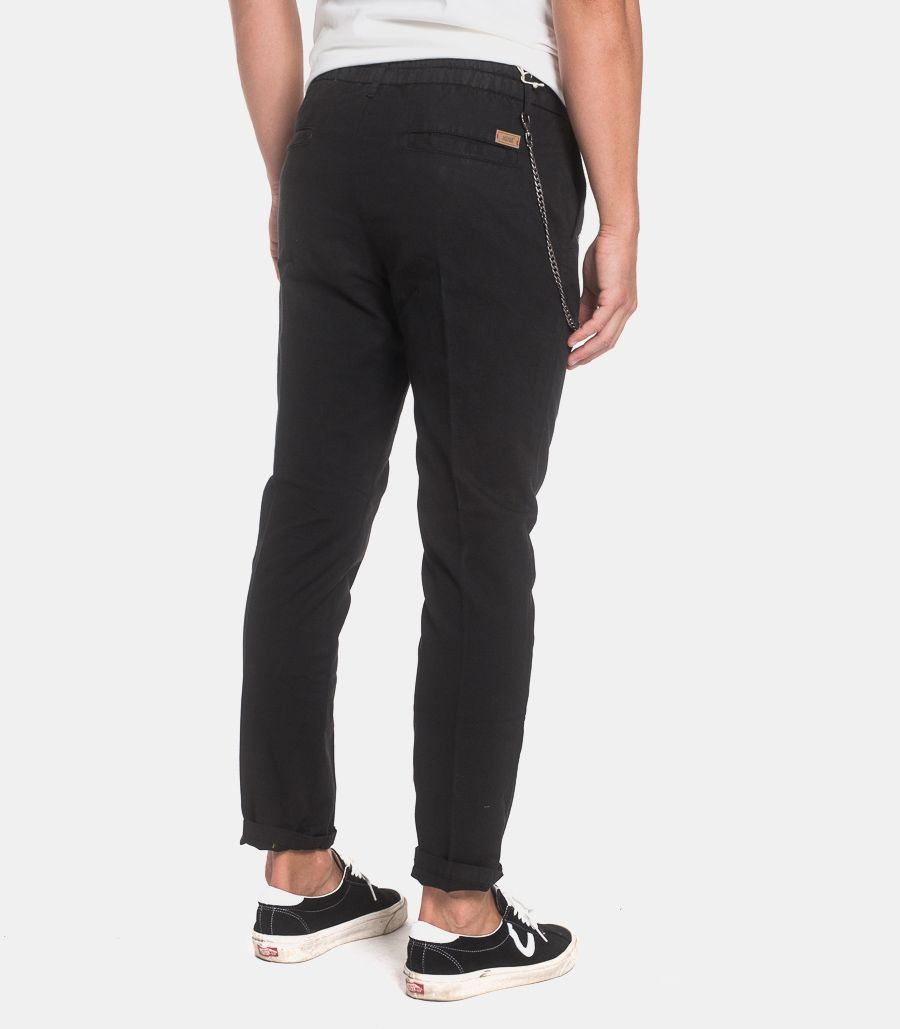 Men's trousers chinos with chain black. FGC1392